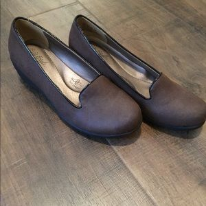 Hush Puppies Soft Style Brown Shoes Size 7